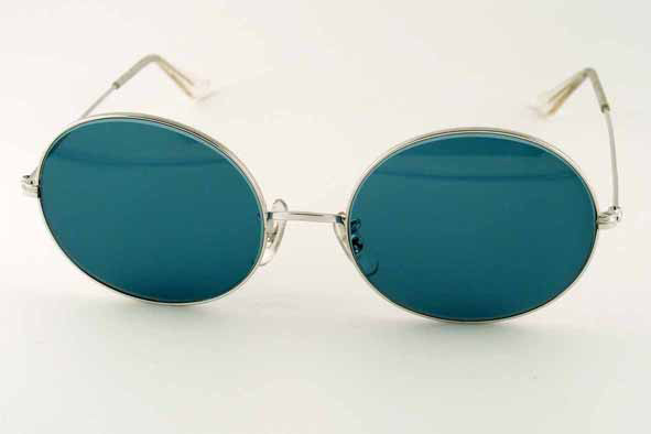 vintage sunglasses : 1970's Ray-Ban I-Shape Oval by BAUSCH & LOMB (USA)