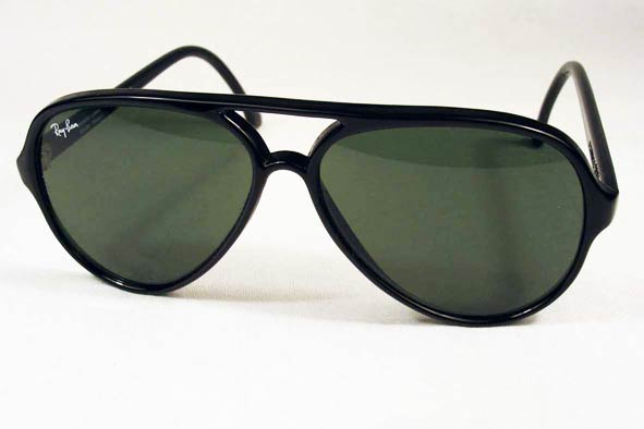 vintage sunglasses : WWII RAF issue MkVIII by BAO (ENGLAND)